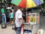 pedagang-rujak-buah.jpg