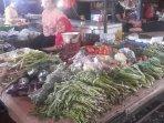 pedagang-sayur-di-pasar-cimanggis.jpg