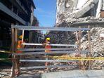 pekerja-sudah-mulai-lakukan-proses-perataan-gedung-ambruk.jpg