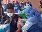pelajar-suntik-vaksin-nih.jpg