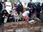 pemakaman-dufi-di-tpu-semper.jpg