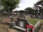 pemakaman-tionghoa-di-tpu-kebon-nanas-lokasi-sejoli-diamankan-saat-berbuat-mesum.jpg