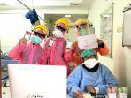 pembagian-masker-kepada-tenaga-medis-oleh-nurfadillah.jpg