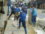 pemerintah-kota-jakarta-pusat-melalui-suku-dinas-sumber-daya-air-melakukan-normalisasi-saluran-air.jpg