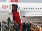 pemimpi-korea-utara-kim-jong-un-bersiap-turun-dari-pesawat-ilyushin-62m_20180610_172151.jpg