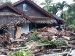 penampakan-sebuah-rumah-di-mutiara-carita-resort-pasca-diterjang-tsunami.jpg