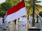 pengibaran-bendera-merah-putih-memperingati-hut-ke-76-kemerdekaan-ri-berjalan-hikmat.jpg