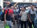 pengungsi-telah-tiba-di-gedung-eks-kodim-0503jb-di-kalideres-jakarta-barat.jpg