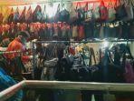 pengunjung-mendatangi-kios-penjual-tas-tas-di-pasar-senen-blok-iii-jakarta-pusat.jpg