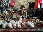 penjual-ayam-di-pasar-ciputat_20180905_112448.jpg