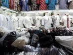 penjual-baju-koko-dan-peci-di-tanah-abang_20180528_183658.jpg