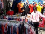 penjual-jersey-peserta-piala-dunia_20180624_192334.jpg