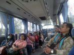 penumpang-perum-ppd-rute-bekasi-barat-plaza-senayan-rabu-2232018_20180322_131601.jpg