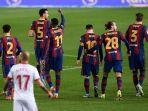 penyerang-barcelona-ousmane-dembele-ketiga-dari-kiri-merayakan-gol-dalam-pertanding.jpg