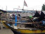 perahu-nelayan-bersandar.jpg