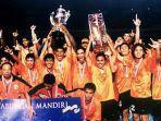 persija-juara-liga-indonesia-tahun-2001.jpg