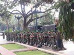 personel-tni-polri-dikerahkan-untuk-mengamankan-kantor-balai-kota-1.jpg