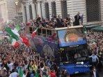 pesta-juara-italia-menang-euro-2020.jpg