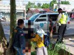 petugas-mengamankan-wanita-tanpa-identitas-jumat-1232021.jpg