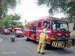 petugas-pemadam-kebakaran-amukan-api.jpg