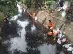 petugas-upk-badan-air-dinas-lingkungan-hidup-provinsi-dki-jakarta.jpg
