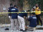 pihak-puslapfor-mabes-polri-saat-mengidentifikasi-tkp-tewasnya-5-pekerja-di-cipondoh.jpg