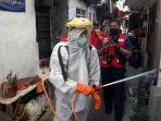 pmi-menyemprot-disinfektan-462020.jpg