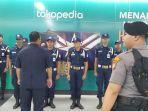 polisi-berjaga-di-stasiun-mrt-bundaran-hi.jpg