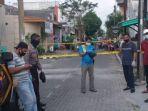 polisi-tengah-mengevakuasi-mayat-aloysius-pati-59-tepatnya-di-perum-gading-permai-raya.jpg