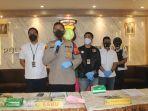 polres-jakarta-barat-saat-merilis-kasus-narkoba-jaringan-palembang-jakarta-senin-2512021.jpg