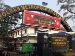polres-metro-bekasi-kota-di-jalan-pramuka-kelurahana-margajaya.jpg