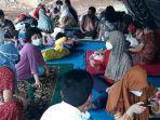 posko-pengungsian-berupa-tenda-darurat-bagi-warga-rw-04-kelurahan-cipinang.jpg