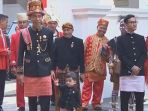 presiden-jokowi-pakai-adat-aceh_20180817_181213.jpg