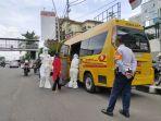 proses-evakuasi-pasien-terkonfirmasi-covid-19-yang-dilakukan-upas-dishub-dki-jakarta.jpg