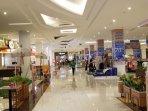pusat-perbelanjaan-buka-ditangerang-1.jpg