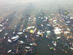 ratusan-ikan-mengambang-di-situ-rawa-besar-pancoran-mas-kota-depok.jpg