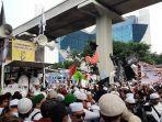 ratusan-orang-berunjuk-rasa-di-depan-gedung-kedubes-india-1.jpg