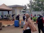 ratusan-warga-negara-indonesia-wni-dari-luar-negeri-tiba-di-rumah-sakit.jpg