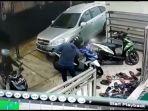 rekaman-cctv-aksi-pencurian-sepeda-motor-terjadi-di-masjid-jami-al-istiqomah.jpg