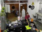 rekaman-cctv-kedai-kopi-di-bintaro-sektor-5.jpg