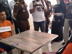 rekontruksi-kasus-pembunuhan-hakim-jamaluddin-di-cafe-every-day-senin-1312020.jpg