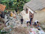 reruntuhan-dapur-warga-yang-ditabrak-trukl.jpg