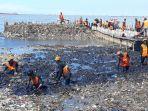 sampah-di-bibir-pantai-hutan-mangrove_20180323_164728.jpg