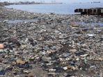 sampah-mengotori-pesisir-cilincing-selasa-27112018.jpg