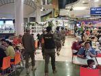 satpol-pp-jakarta-utara-menggelar-razia-protokol-kesehatan-di-pusat-perbelanjaan-mall-kelapa-gading.jpg