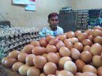 satu-di-antara-lapak-penjual-telur-di-pasar-angke-jakarta-barat.jpg