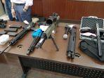 sejumlah-senjata-api-rabu-812020.jpg