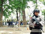 seorang-anggota-polisi-di-sisi-utara-monas-selasa-3122019.jpg
