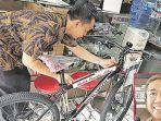 sepeda-hadiah-presiden-jokowi_20180224_192545.jpg