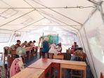 siswa-disabilitas-sekolah-khusus-assalam-01-ujian-di-tenda.jpg